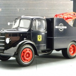 Bedford O-type SWB Recovery